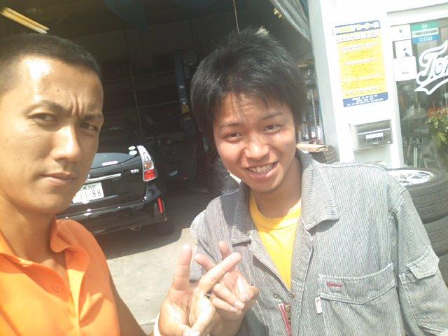 ランクルトミー札幌店(^o^) 板金屋さんに アプラス宇都宮さん(^o^)_b0127002_13305071.jpg
