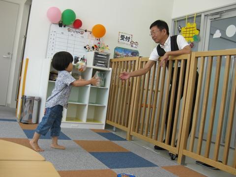 館長とボール遊び!!_b0228113_15405545.jpg