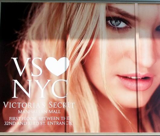 ビクトリア・シークレットのニューヨークを愛してますの巨大看板_b0007805_0141079.jpg