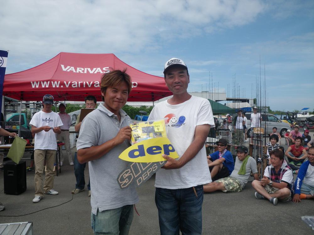 第7回琵琶湖でバスフィッシングを楽しもう会 から (5)_a0153216_1773715.jpg