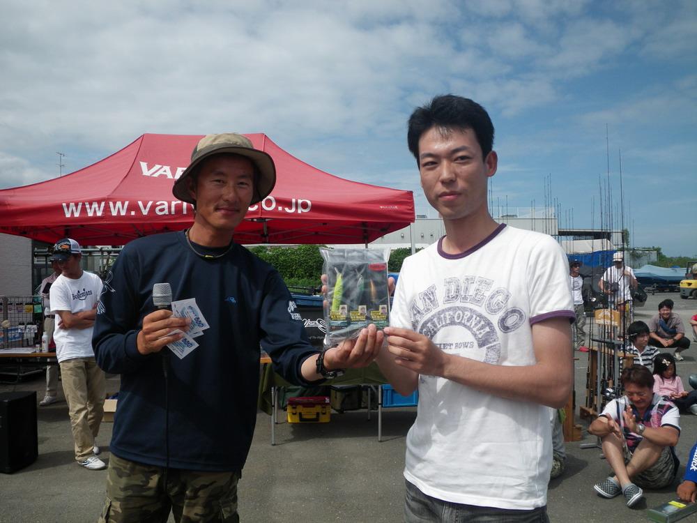 第7回琵琶湖でバスフィッシングを楽しもう会 から (5)_a0153216_1940997.jpg