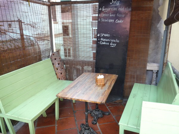 """ハノイ その7 : おしゃれカフェでカフェめしチャーカー """"La Place""""_e0152073_1441926.jpg"""