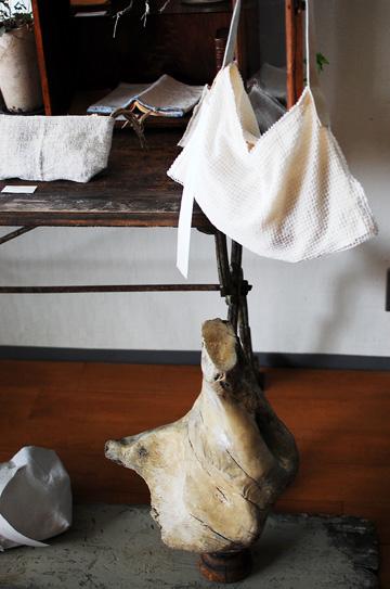 「 Le sac ecru 」 — 生成りの鞄 4日目_d0023111_16564422.jpg