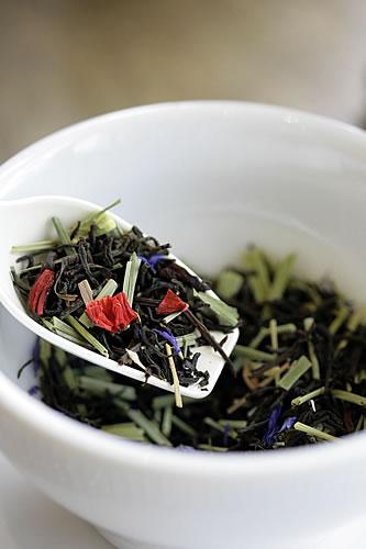 不思議の国のアリス缶紅茶セット夏バージョン登場。_f0228652_17492176.jpg