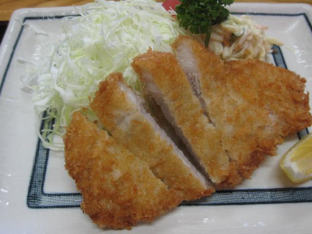 とんかつハウスとんとん空港店「ロースカツ定食¥900」@伊丹空港近く_b0042308_14394881.jpg