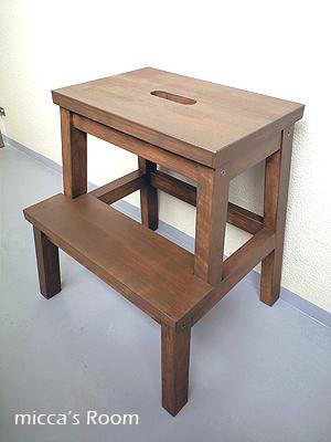 IKEAのステップスツールをペイント&テーブルにオイル塗り_b0245038_13414450.jpg