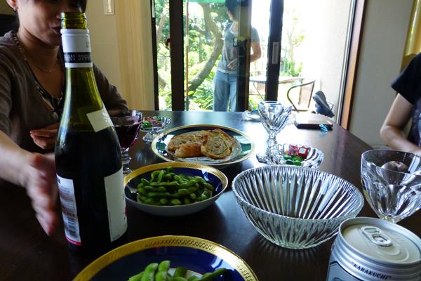 そらママ。味噌と枝豆とパンとプール_f0149855_6411229.jpg