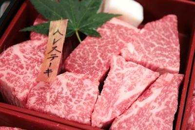 神戸元町辰屋さん、神戸牛の宝石箱「焼肉懐石」の素敵な中身のご紹介。(その1)_e0192461_1415449.jpg