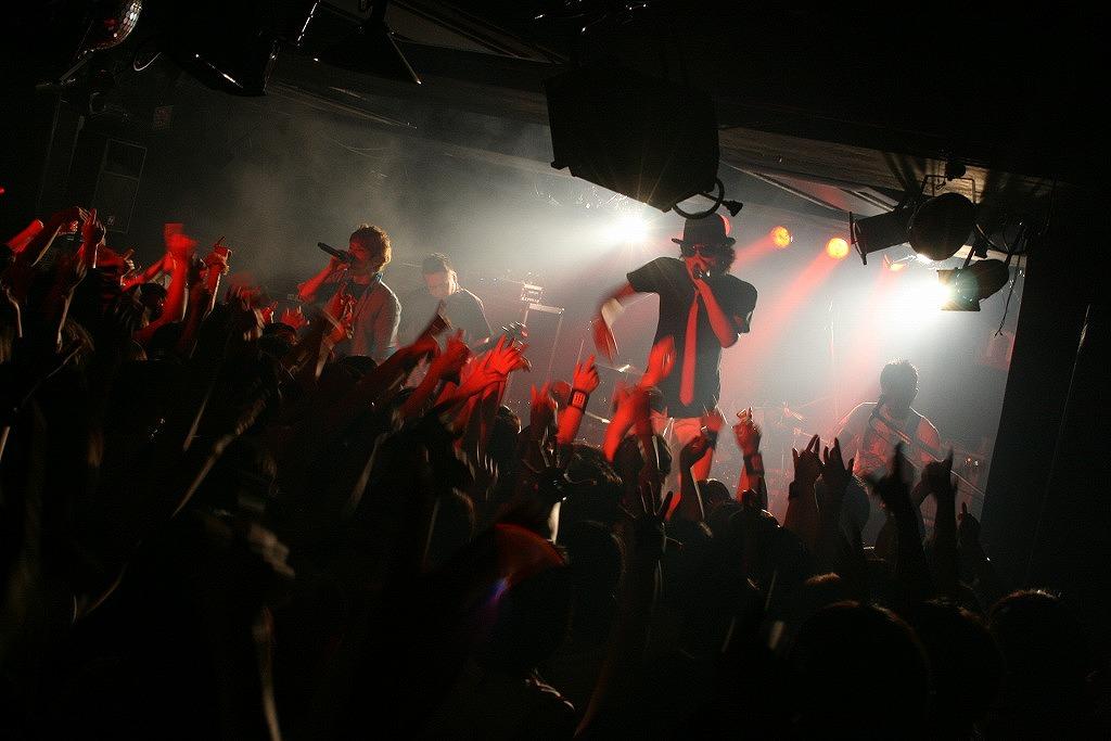 FLOW 10周年突入を祝う炎の5DAYS『突入 THE MAX!!!』完遂!_e0197970_17422927.jpg