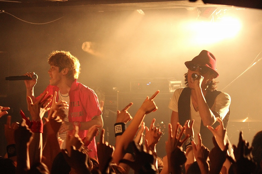 FLOW 10周年突入を祝う炎の5DAYS『突入 THE MAX!!!』完遂!_e0197970_17433889.jpg