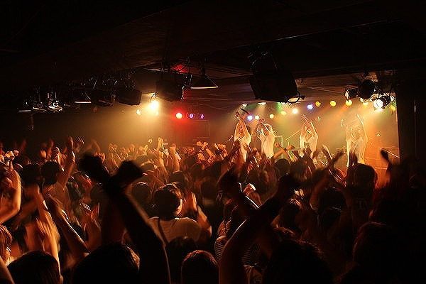 FLOW 10周年突入を祝う炎の5DAYS『突入 THE MAX!!!』完遂!_e0197970_1743434.jpg