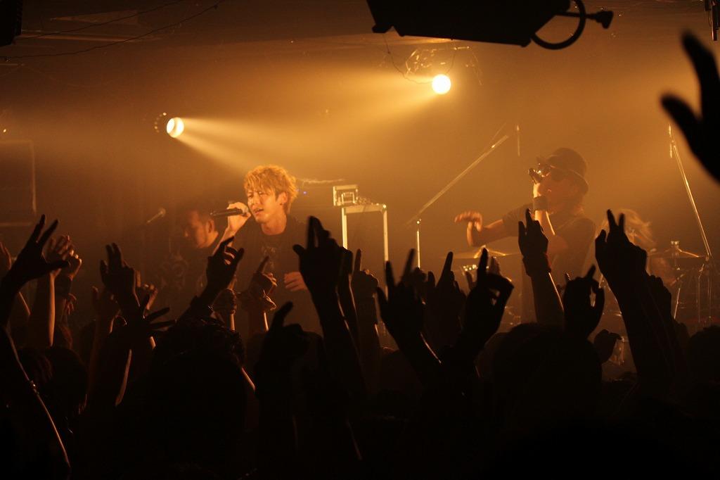 FLOW 10周年突入を祝う炎の5DAYS『突入 THE MAX!!!』完遂!_e0197970_17445275.jpg