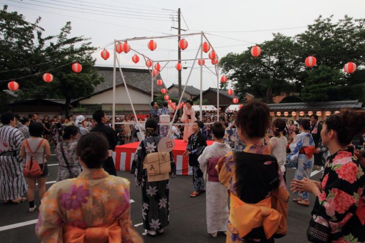 上七軒盆踊り_e0051888_1213241.jpg