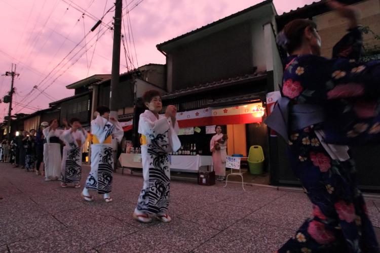 上七軒盆踊り_e0051888_1224030.jpg