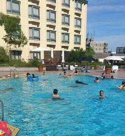 泳ぐこと ①_e0246398_2292516.jpg