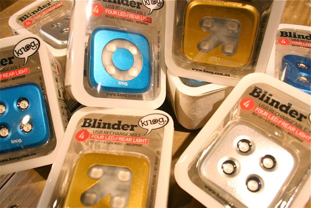 Knog Blinder Lights 限定カラー_b0212032_21261094.jpg