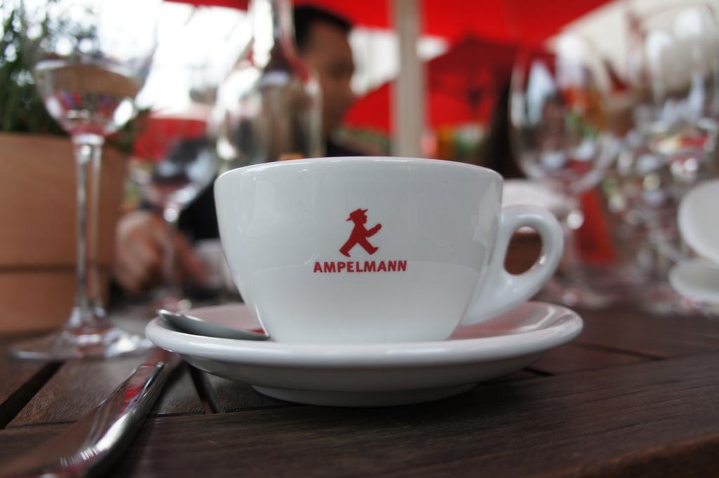 ULA-berlin Team @ AMPELMANN Restaurant_c0180686_456927.jpg
