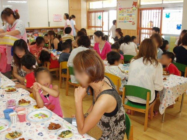 きい組 保育参観と給食懇談会_e0148419_955919.jpg