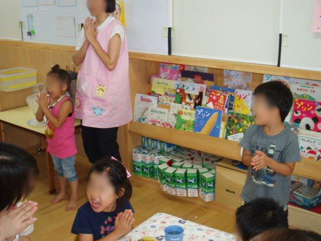 きい組 保育参観と給食懇談会_e0148419_956261.jpg