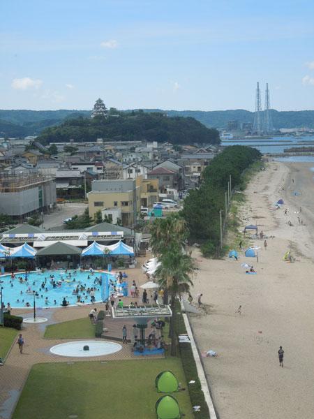 a la picine et a la plage de KARATSU_a0262845_13232332.jpg