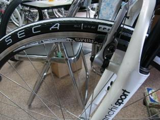 ビアンキ CIELOの タイヤ交換、 東京から仙台へ_e0140354_2265634.jpg