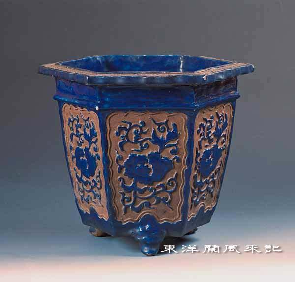 東洋蘭古典鉢                      No.1189_d0103457_21543381.jpg