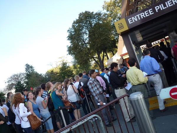 パリ : エッフェル塔に優先的にのぼる裏ワザ 「58トゥール・エッフェル」_e0152073_0594295.jpg