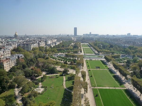 パリ : エッフェル塔に優先的にのぼる裏ワザ 「58トゥール・エッフェル」_e0152073_114277.jpg