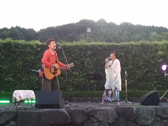 古墳祭初日 石舞台にて_f0015517_1453852.jpg