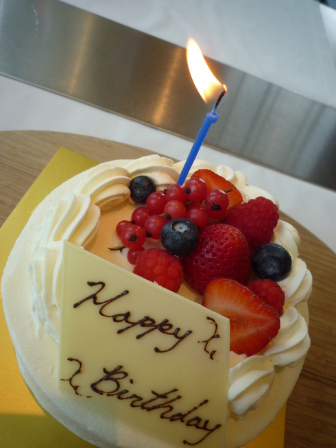 ブノワ BENOIT 東京で Birthday Lunch**。。。 *。:☆.。† _a0053662_16191687.jpg