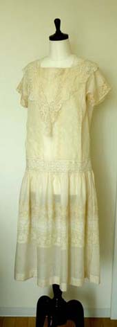 アンティークレースのドレス_f0182167_12362683.jpg