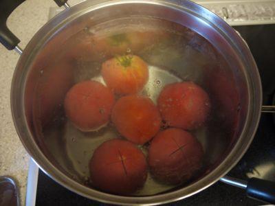 自家製のトマトの水煮_f0134268_18432921.jpg