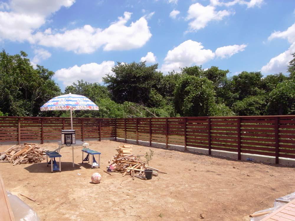 ウッドデッキ、塀塗装 ~すべり台の家_a0117794_17294723.jpg