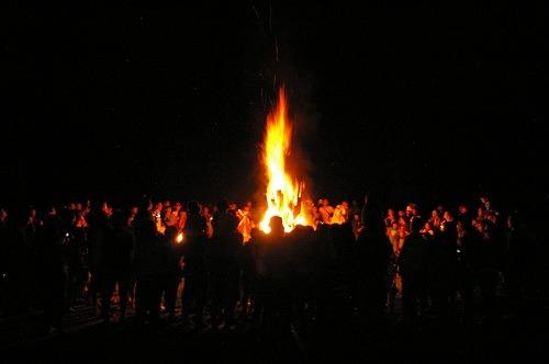 炎を見上げて_b0174425_20245470.jpg