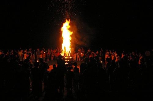 炎を見上げて_b0174425_20262157.jpg