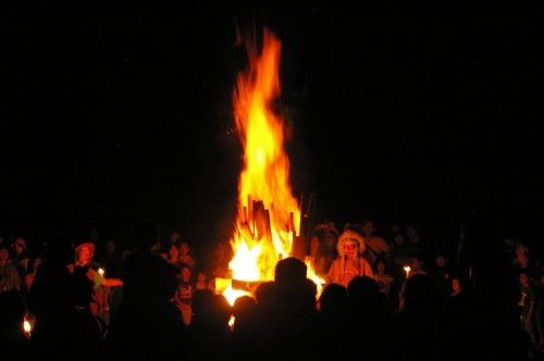 炎を見上げて_b0174425_20304597.jpg