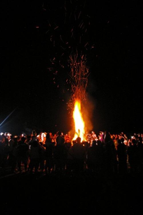 炎を見上げて_b0174425_20364069.jpg