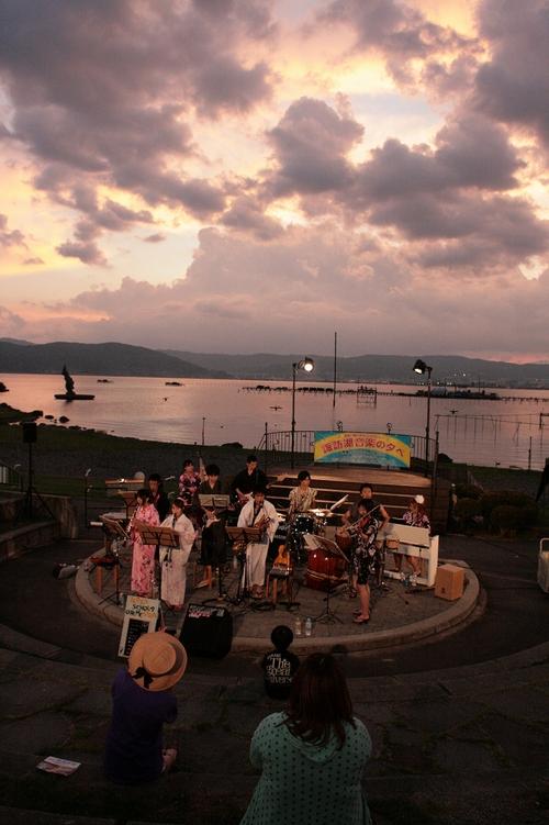 諏訪湖音楽の夕べ_b0029350_3503816.jpg