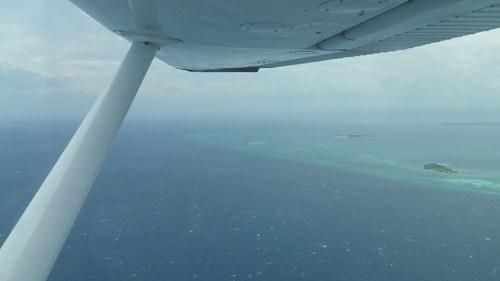 横風のタグビララン空港_f0210164_16395261.jpg