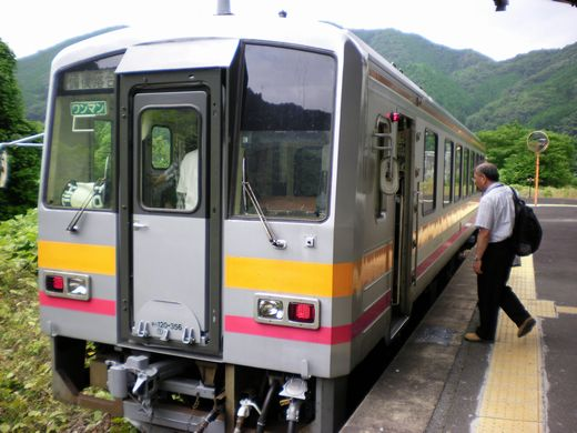 真夏の中国地方ローカル線7 (芸備線)_b0005281_14415449.jpg