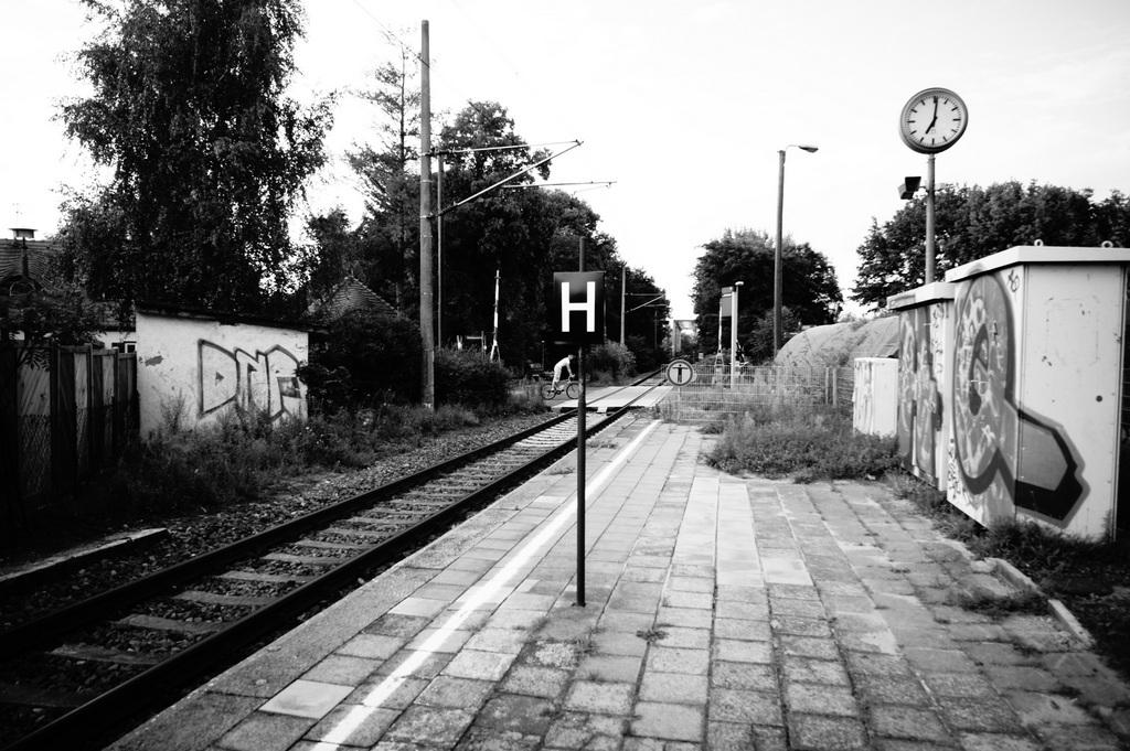 Schwielow湖駅にて。_c0180686_1701972.jpg
