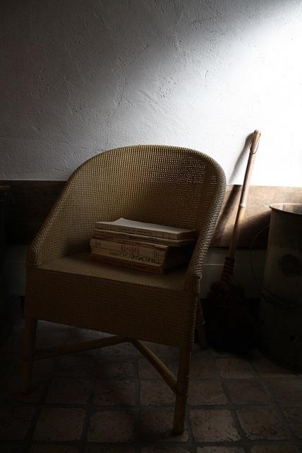 antique chair_b0110935_16323751.jpg