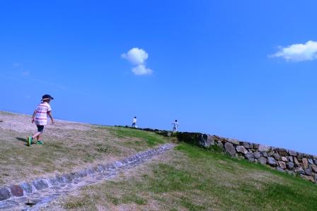 iwasaki・夏の山陰修学(!?)旅行・弓ヶ浜→米子城跡。_f0177373_1013659.jpg