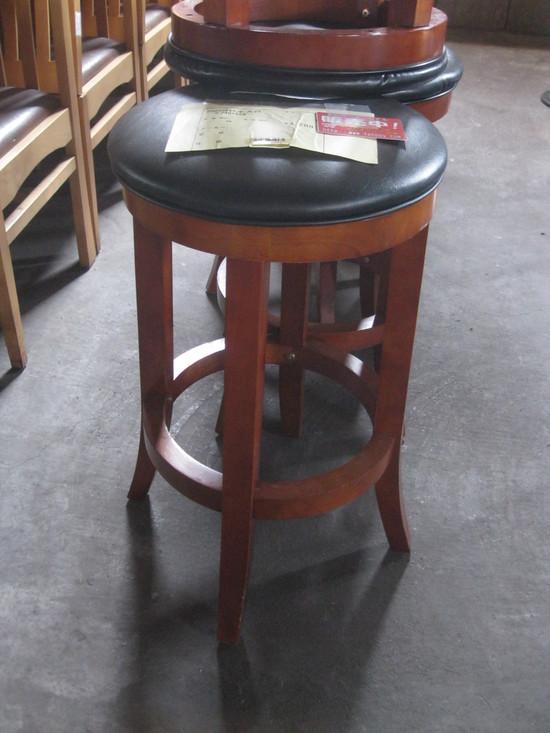 「カウンターの椅子」は~コレかな?_a0125419_17461734.jpg