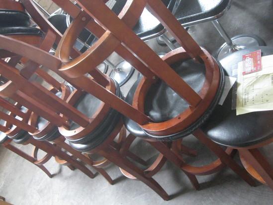 「カウンターの椅子」は~コレかな?_a0125419_17481234.jpg