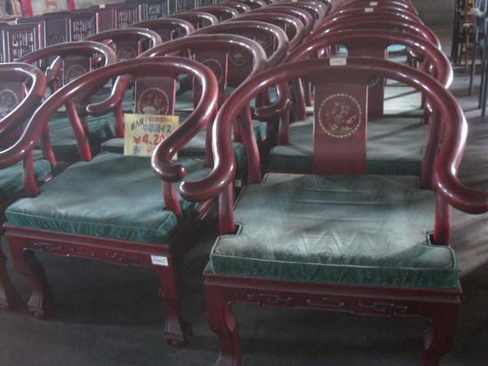 「カウンターの椅子」は~コレかな?_a0125419_1751174.jpg