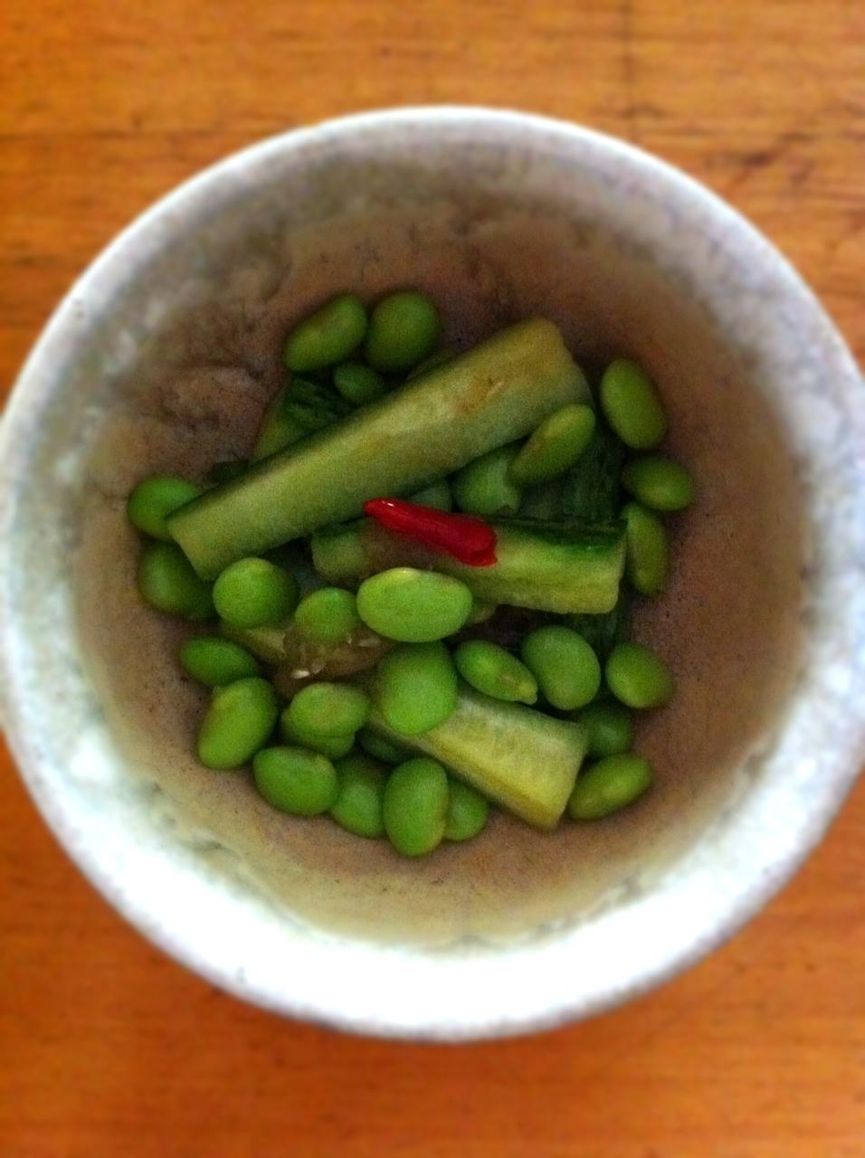 キュウリと枝豆の浅漬け_d0122797_12384710.jpg