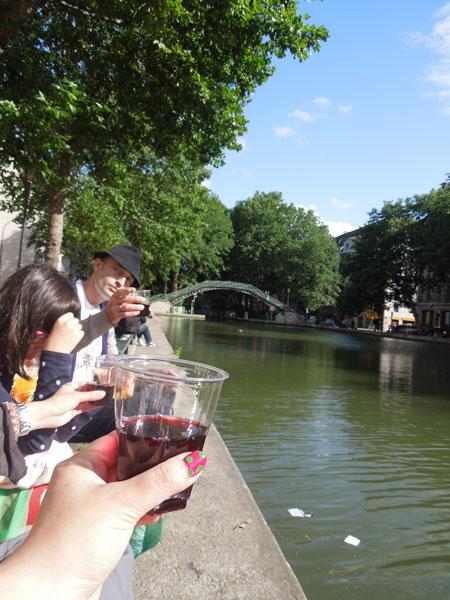apero au bord du canal St-martin_a0262845_13221858.jpg