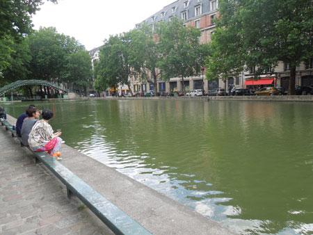 apero au bord du canal St-martin_a0262845_13231852.jpg