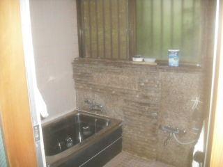 水漏れ工事と浴室確認。_f0031037_2212316.jpg